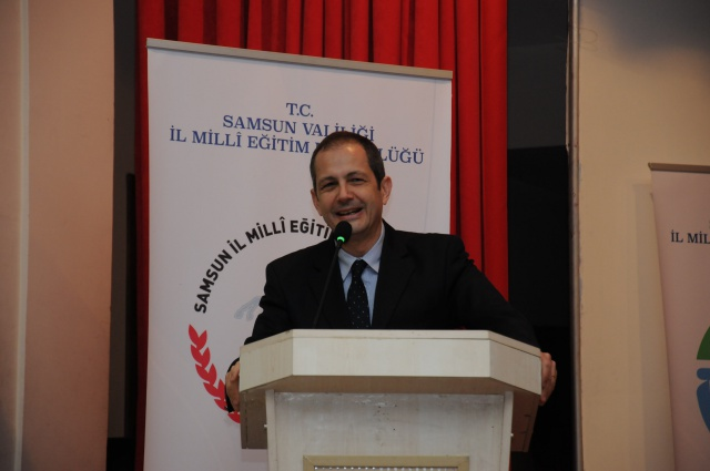 Anadolu Vakfı eğitim neferlerini ödüllendirdi