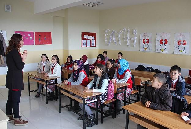 """""""47 Bin Öğretmen Kadrosu"""" Yasalaştı"""