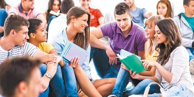 Gençler geleceklerini paralı eğitimde görüyor