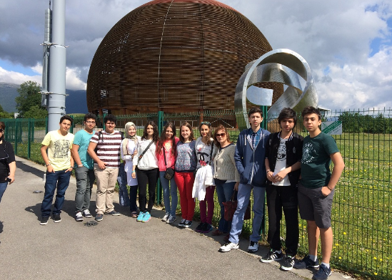 Oğuzkaan Koleji Öğrencileri Cern'de Evrenin Sırlarını Araştırdı!