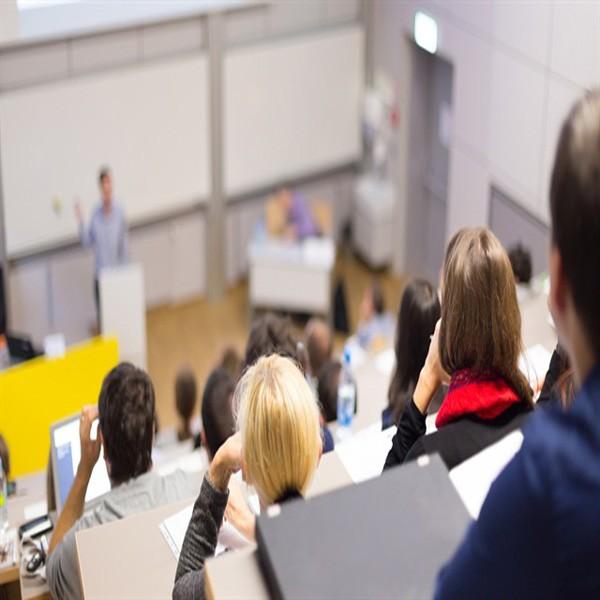 Köklü üniversitelerin birçok bölümü kapanma tehlikesiyle karşı karşıya