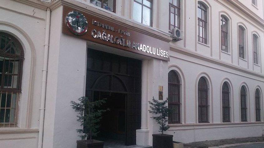 Proje okul seçilen Cağaloğlu Anadolu Lisesi'nde müdür-veli gerginliği