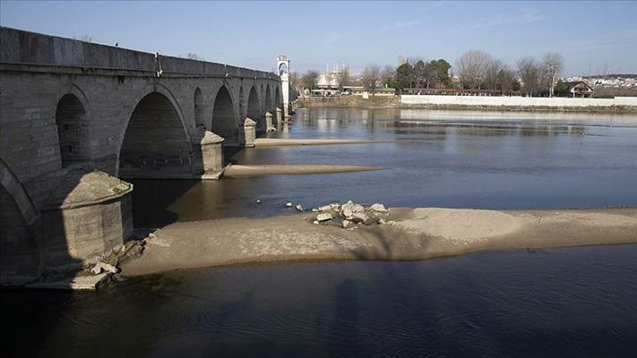 Meriç'in su seviyesi düşünce tarihi köprünün ayakları günyüzüne çıktı