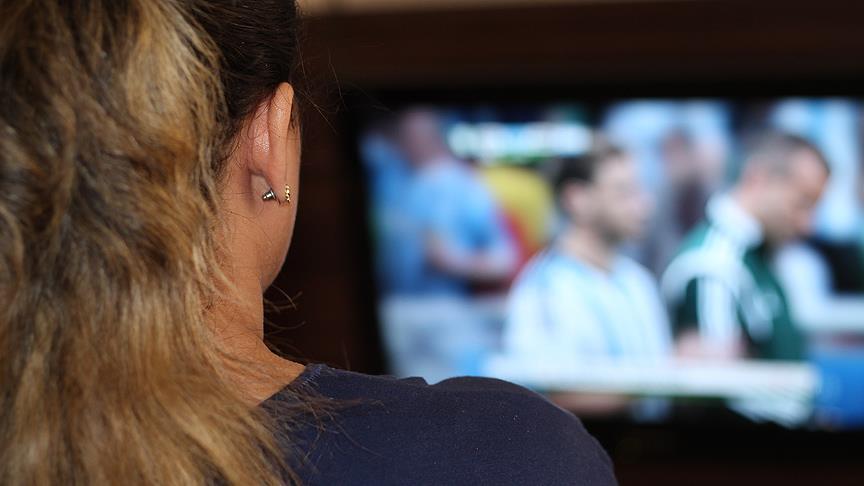 Günde kaç saat televizyon izliyoruz?