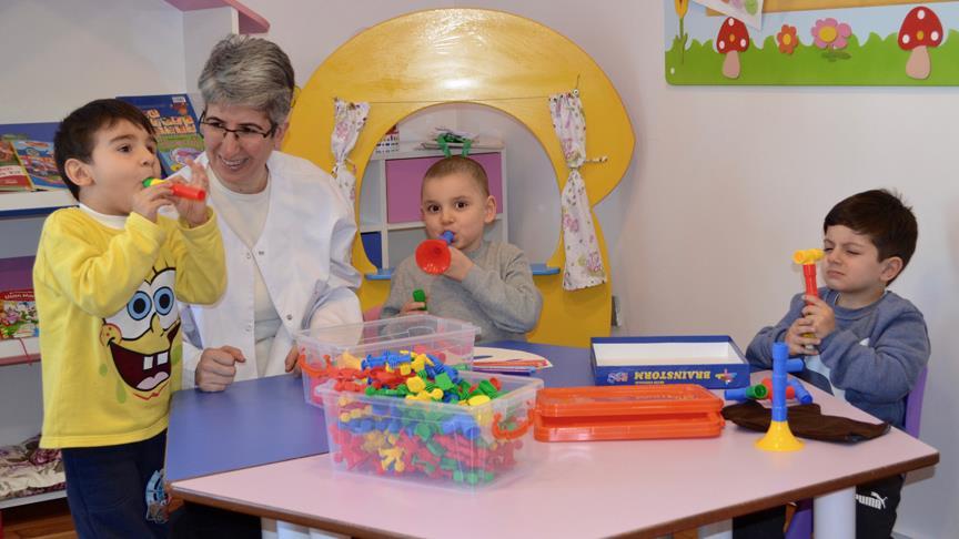 Tedavisini tamamlayan miniklere LÖSEV'den anaokulu eğitimi