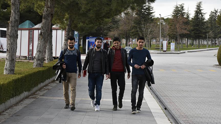 Suriyeli gençler üniversiteye 'Akademik Türkçe' ile hazırlanacak