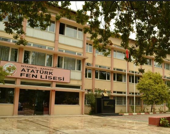 Atatürk Fen Lisesi'nin dönem ortasında yenilenmesine tepki!