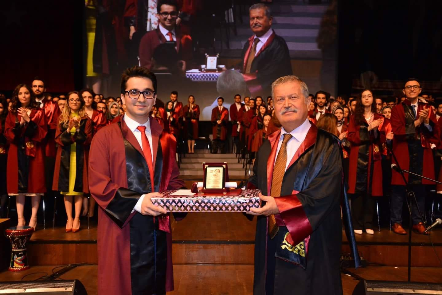 Hem İstanbul Tıp Fakültesi Birincisi, Hem TUS Birincisi