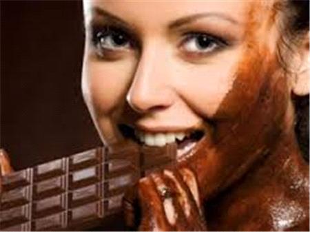 Çikolata Neden Baş Ağrısı Yapar?