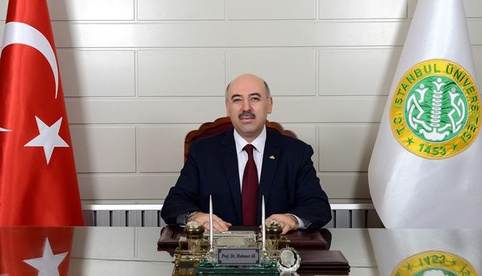 """İÜ Rektörü Prof. Dr. Ak: """"Üniversitemizin İmza Attığı Başarılar Artarak Devam Edecek"""""""