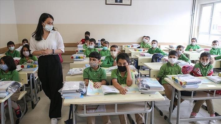 İstanbul'da öğrenciler için 'hazır bulunuşluk' uygulaması yapılacak