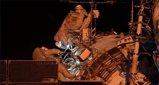 İki Rus kozmonotun uzay yürüyüşü başladı