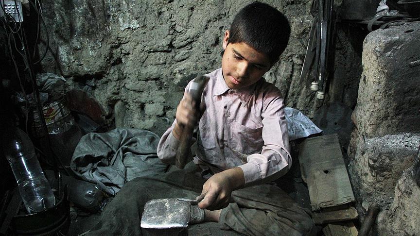 Dünyada 152 milyon çocuk okul yerine işe gidiyor