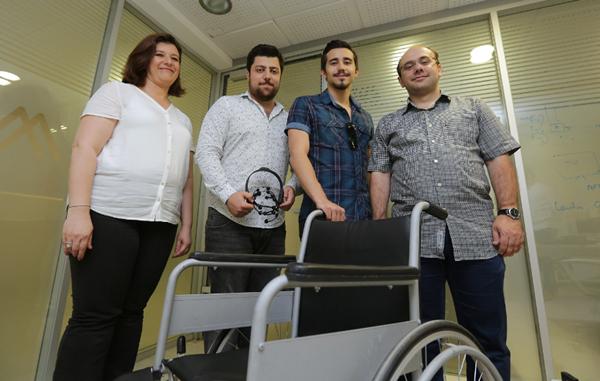Beyin Dalgalarıyla Kontrol Edilebilen Tekerlekli Sandalye