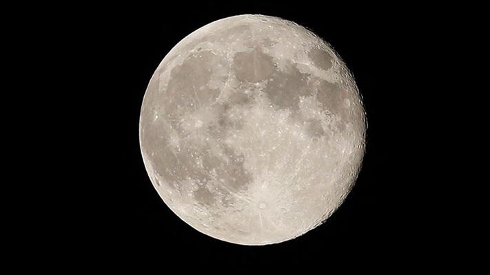 NASA 2024'te Ay'a iki astronot gönderecek