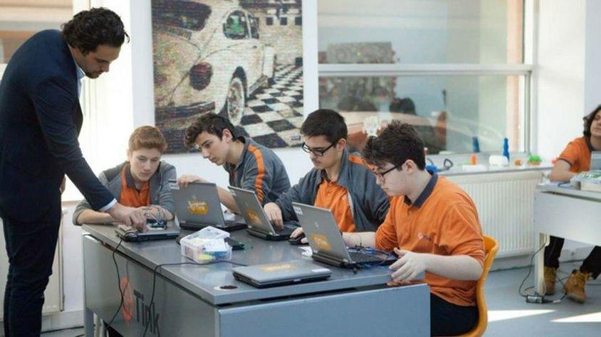 Dijital zeka konferansı 'TinkTalks DQ', Abbas Güçlü'nün moderatörlüğünde 19 Mart'ta gerçekleşiyor