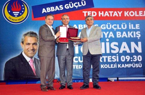 """TED KOLEJİ'NDE """"ABBAS GÜÇLÜ"""" RÜZGÂRI"""