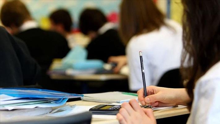 Liselerde ''Üniversite Hazırlık Sınıfı'' Etkin Öğretim Sistemi (eis): Hayata Hazırlık Sınıfları