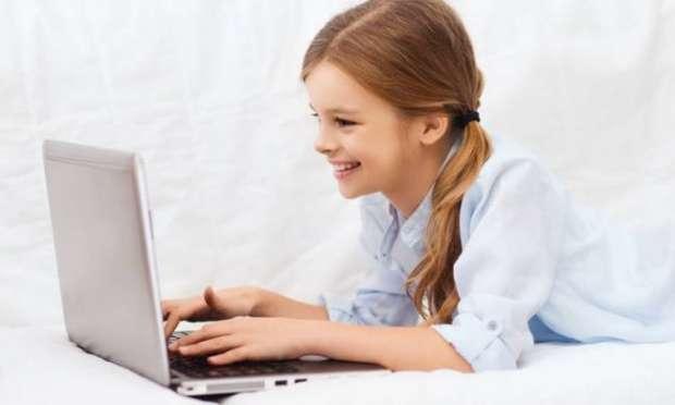 """""""Çocuğunuzla bilgisayar kullanım sözleşmesi imzalayın."""""""
