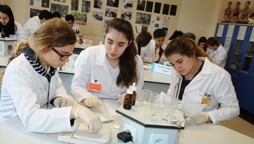 Genç Bilim İnsanları Arel Kolejinde Yarıştı