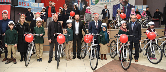 İzmit'te 651 öğrenci 'Haydi Bisikletle Okula' dedi