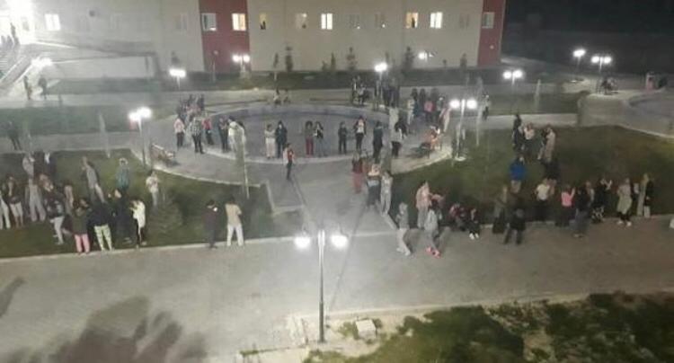 Kız öğrenci yurdunda su kesintisi isyanı