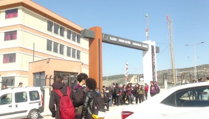 Mersin'de 17 öğrenci zehirlenme şüphesiyle hastaneye kaldırıldı