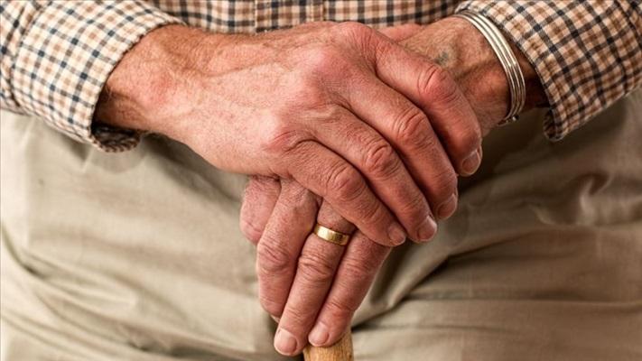 Evinde yaşlısı olanlara ortak aktivite önerileri