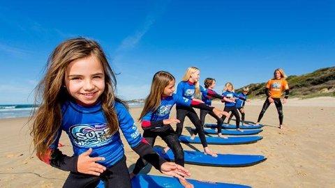 4 Yaşındaki Sörfçü Kızın Müthiş Performansı