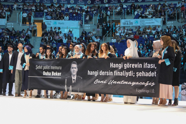 Üsküdarlı mezunlar şehit polis Duha Beker'i unutmadı