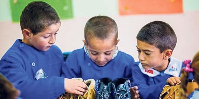 Atanamayan öğretmenin kampanyasına Türkiye ses verdi