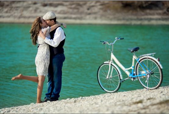 Yaz aşkı kadınları mı yoksa erkekleri mi daha çok etkiler?
