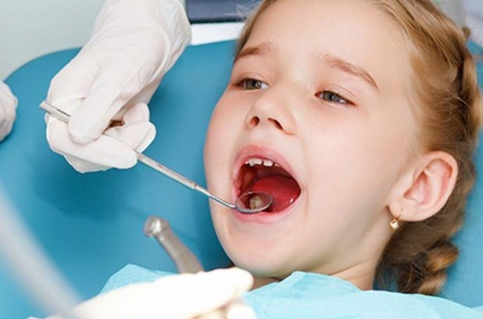 Diş çürüğü çocuğun okul başarısını düşürüyor