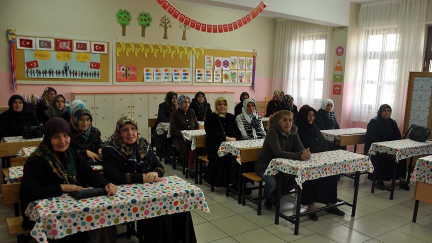 Kayseri'de okuma yazma kurslarına bin 200 kursiyer kaydoldu