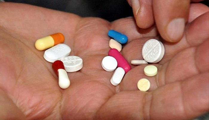 'Mide asidi önleyici ilaç, Kovid-19'a yakanlanma riskini artırabilir' uyarısı