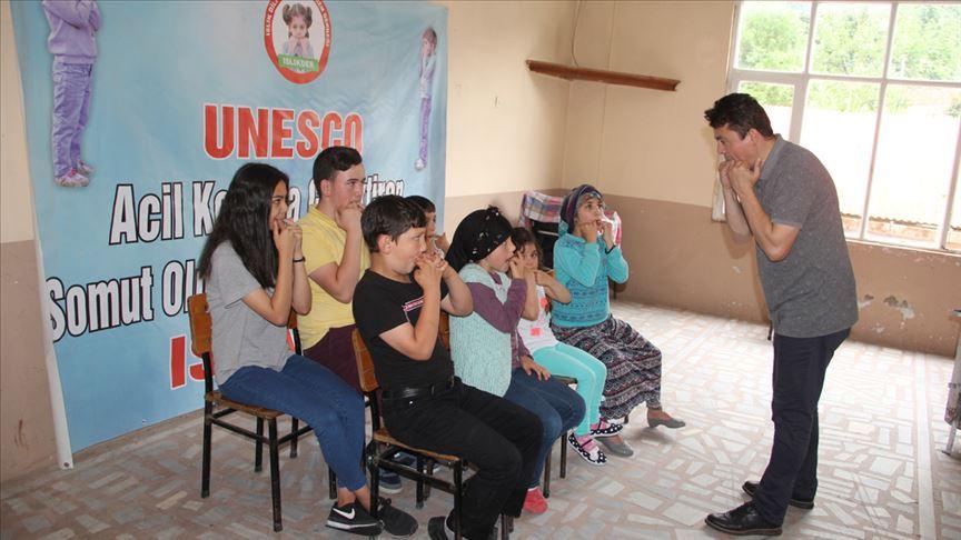 UNESCO listesindeki 'ıslık dili' yok olmaktan kurtarıldı
