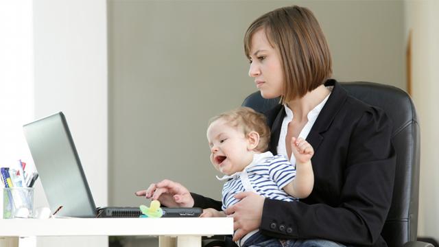 Çalışan annelere 400 TL destek geliyor!