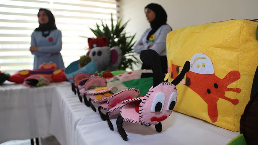 Üniversitelilerin derste yaptığı oyuncaklar köy okullarına dağıtılacak