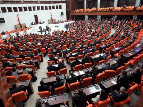 CHP'li Şeker'den Başbakan Yıldırım'a: Çocuklar devlet kontrolünde selefi militan mı oluyor?