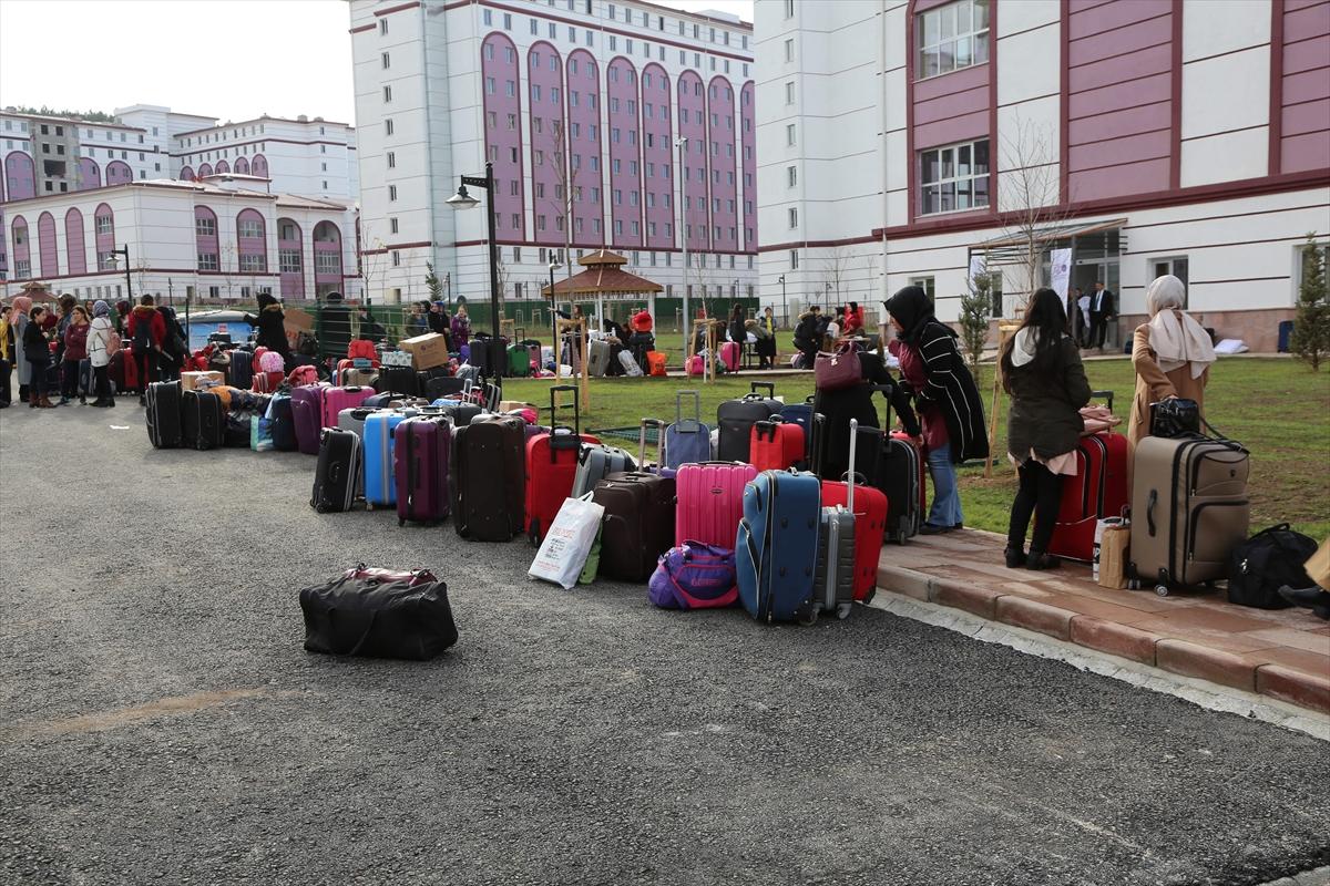 10 bin kişilik yurtta öğrenci alımına başlandı