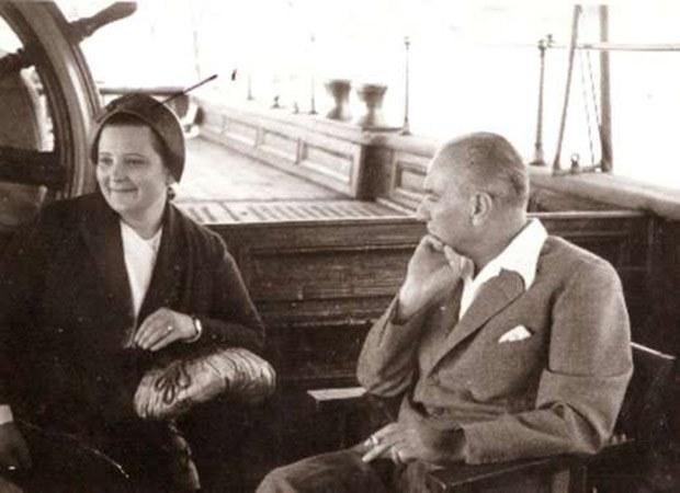 Mustafa Kemal Öğretmenlere Sesleniyor