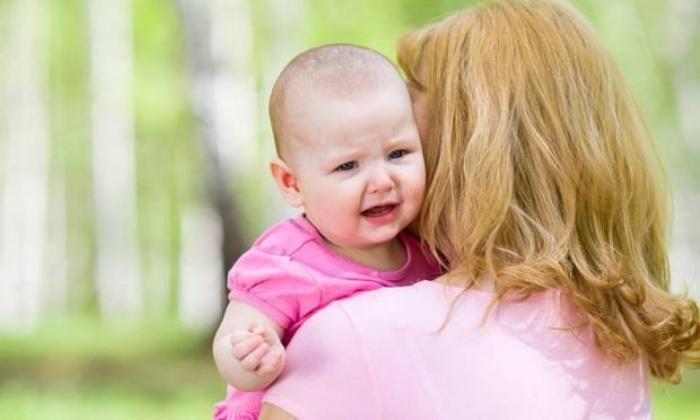 Bebekleri kucağa alma alışkanlığına dikkat!