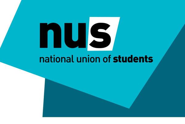Öğrenciler üniversite zammını protesto etti