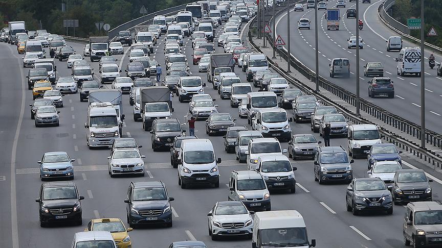 Trafikteki taşıt sayısı yaklaşık 600 bin arttı!