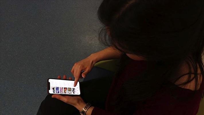 'Online' yaşayan bireyde 'siber kimlik-gerçek kimlik' çatışması artıyor