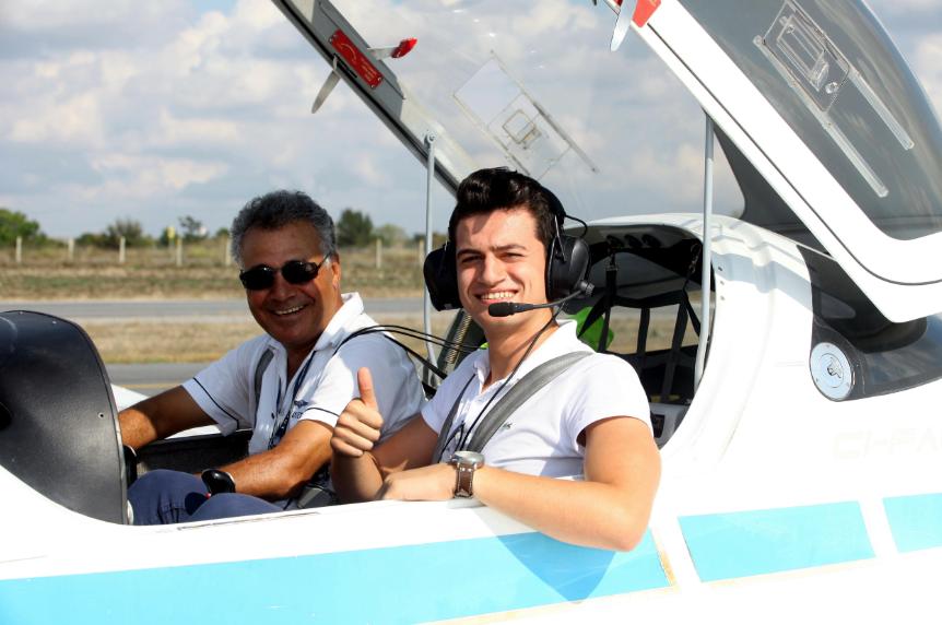 Özyeğin'de Pilot adaylarına oryantasyon uçuşu