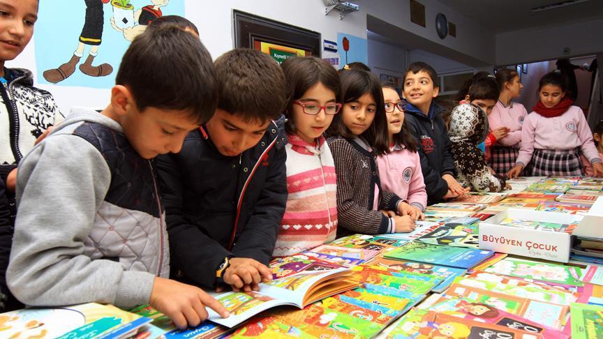 Gezici kütüphane köy okullarının hizmetinde
