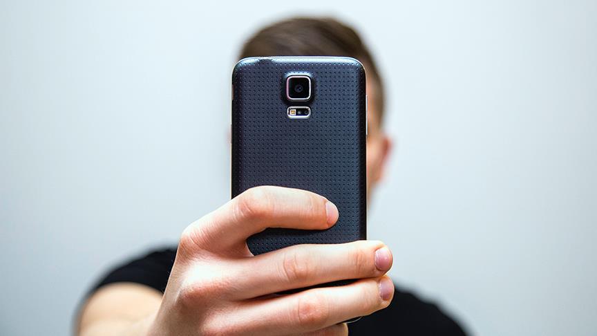 Sosyal medya kullanımı gençler arasında estetik ameliyatları artırıyor