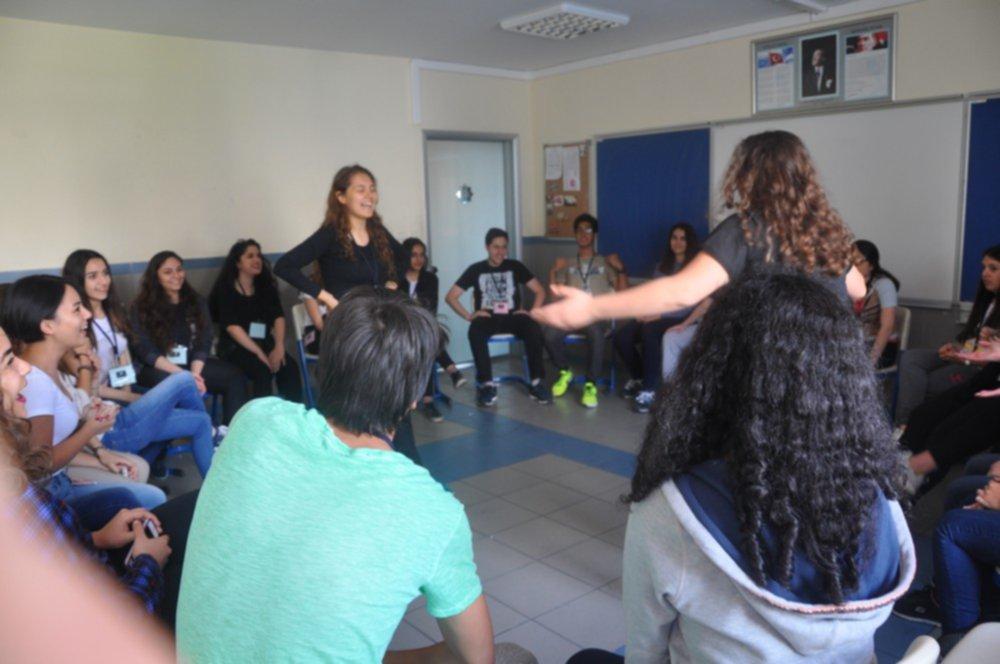 Liseli gençlerden mülteci sorunlarına çözüm arayışları