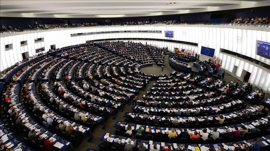 AB Komisyonu ve AB Konseyi vize serbestisini savundu!